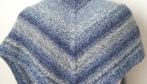 Knit the Weekender Shawl with beautiful variegated yarn! Loveknitting blog